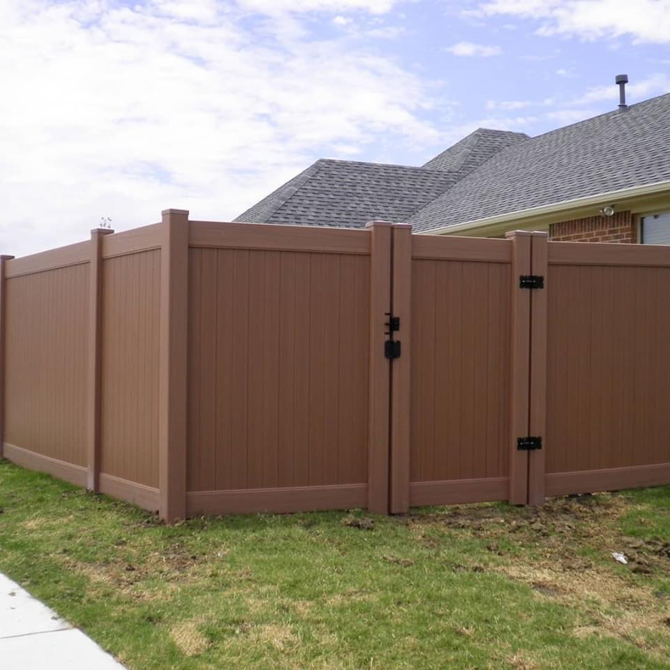 Colored Vinyl Fencing